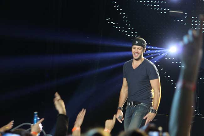 Luke Bryan on 2/28/13 @ Resch Center