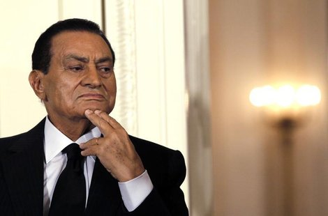 Hosni Mubarak attends a Middle East peace talks event in the East Room at the White House in Washington September 1, 2010. REUTERS/Jason Ree
