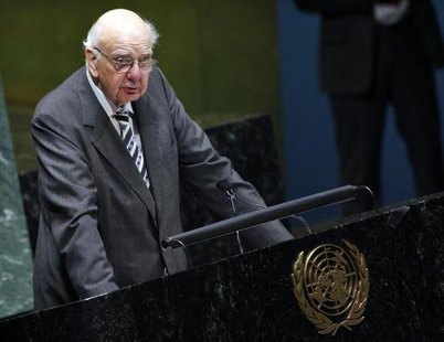 "Paul Volcker, former head of the United States Federal Reserve, addresses the United Nations General Assembly on the ""State of the World Eco"