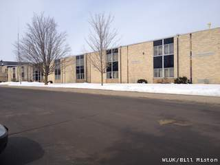 Grief counselors were on hand March 4, 2013 in Marion schools. Three students were killed in a Kentucky car crash the morning of March 2. The Marion school district headquarters and elementary school is pictured. (courtesy of FOX 11).