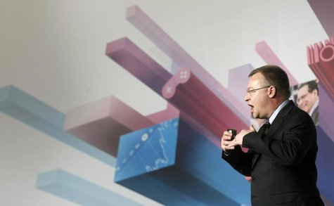 Nokia's President and CEO Stephen Elop gestures during a news conference at the Mobile World Congress in Barcelona, February 26, 2013. REUTE