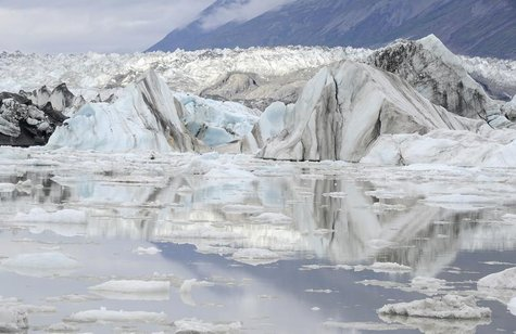 A general view of Lowell glacier in Kluane National Park near Haines Junction, Yukon August 26, 2011. REUTERS/Sean Kilpatrick/Pool
