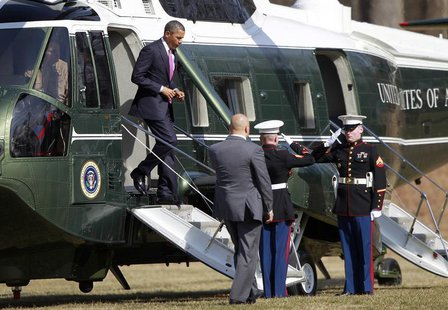 U.S. President Barack Obama arrives at the Walter Reed hospital in Bethesda, Maryland, March 5, 2013, to meet with wounded soldiers. REUTERS