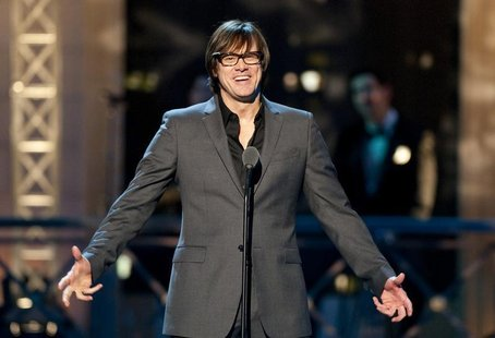 Comedian Jim Carrey speaks before presenting an award during the second annual 2012 Comedy Awards in New York City April 28, 2012. REUTERS/S