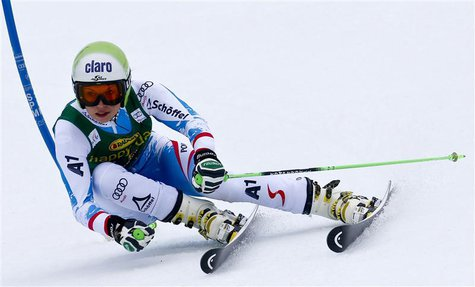 Anna Fenninger of Austria clears a gate during the women's Alpine Skiing World Cup giant slalom race in Ofterschwang March 9, 2013. REUTERS/