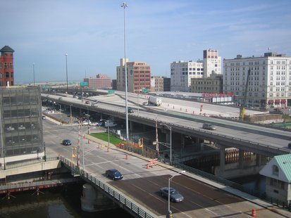Interstate 794 west end in downtown Milwaukee. (courtesy of Wikimedia commons)