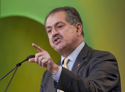 Dow Chemical Chief Executive Andrew Liveris speaks during the CERAWEEK energy conference in Houston March 8, 2012. REUTERS/Richard Carson