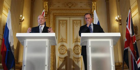 Britain's Foreign Secretary William Hague (L) and Russia's Foreign Minister Sergei Lavrov hold a joint news conference in Lancaster House in