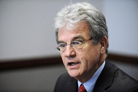 U.S. Senator Tom Coburn (R-OK) addresses the Reuters Washington Summit in the Reuters newsroom in Washington, November 9, 2011. REUTERS/Jona