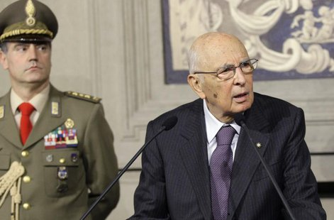 Italian President Giorgio Napolitano speaks to the media at Quirinale palace in Rome March 21, 2013. REUTERS/Remo Casilli