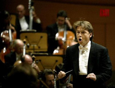 Los Angeles Philharmonic conductor Esa-Pekka Salonen of Finland performs on the opening night of the $274 million Walt Disney Concert Hall i