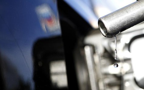 Gasoline drips off a nozzle during refueling at a gas station in Altadena, California March 24, 2012. Picture taken March 24, 2012. REUTERS/