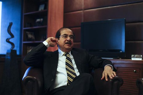 Jahangir Siddiqui, Chairman of JS Bank Ltd, speaks during an interview with Reuters at his office in Karachi January 30, 2013. REUTERS/Akhta