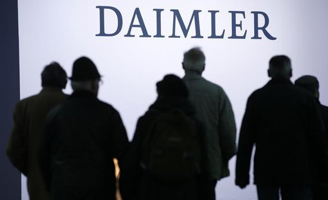 Shareholders arrive for the Daimler annual shareholder meeting in Berlin April 10, 2013. REUTERS/Fabrizio Bensch