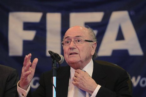 "FIFA President Joseph ""Sepp"" Blatter addresses the media during a news conference in Havana April 17, 2013. REUTERS/Enrique De La Osa"