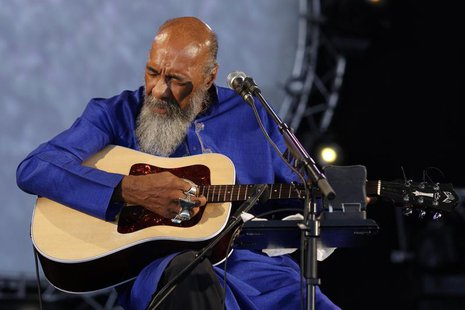 Singer Richie Havens performs during the Solidays music festival in Paris July 6, 2008. REUTERS/Benoit Tessier