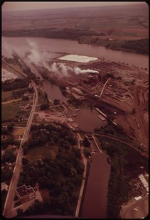 Aerial view of the Thilmany Paper Mill in Kaukauna (courtesy of Wikicommons)