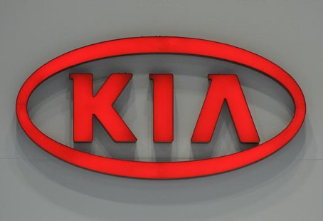 The logo of Kia Motors is seen at the Seoul Motor Show in Goyang, near Seoul, April 2, 2009. REUTERS/Jo Yong-Hak