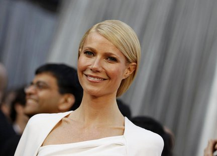 Actress Gwyneth Paltrow arrives at the 84th Academy Awards in Hollywood, California, February 26, 2012. REUTERS/Lucy Nicholson