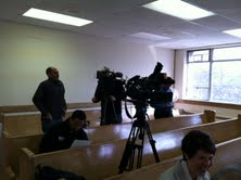 TV crews prepare for Meyer briefing