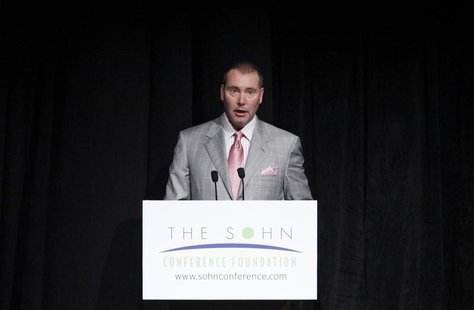 CEO and CIO of DoubleLine Capital Jeffrey Gundlach speaks during the Sohn Investment Conference in New York, May 16, 2012. REUTERS/Eduardo M
