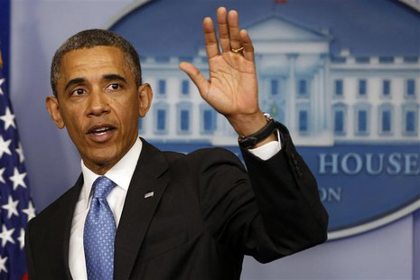 President Barack Obama waves after speaking in the Brady Press Briefing Room at the White House in Washington, April 30, 2013. REUTERS/Larry