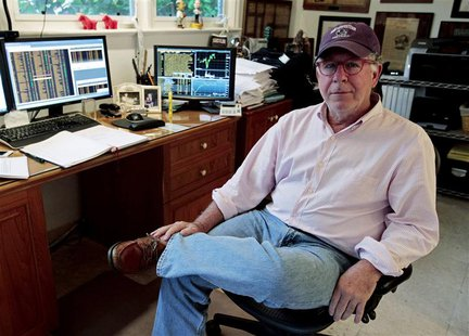 Doug Kass, founder of hedge fund Seabreeze Partners Management Inc, sits at his desk at his home in Palm Beach, Florida April 30, 2013. REUT