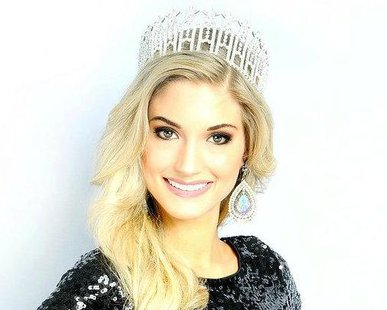 Miss Minnesota Danielle Hooper