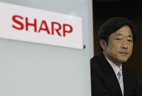 Sharp Corp chairman Mikio Katayama looks on during a news conference in Tokyo June 3, 2011. REUTERS/Toru Hanai