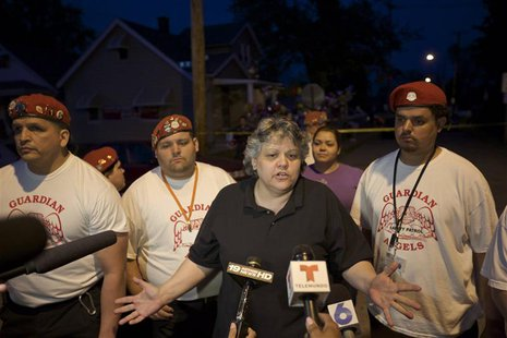 Sandra Ruiz speaks to the media in front of the family home of her niece Georgina DeJesus, in Cleveland, Ohio, May 7, 2013. REUTERS/John Gre