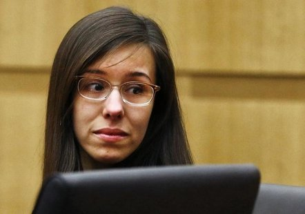 Jodi Arias reacts as a guilty verdict is read in her first-degree murder trial in Phoenix, Arizona May 8, 2013. REUTERS/Rob Schumacher/Arizo