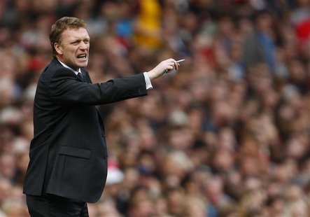 Everton manager David Moyes gestures during their English Premier League soccer match against Arsenal at the Emirates Stadium in London in t