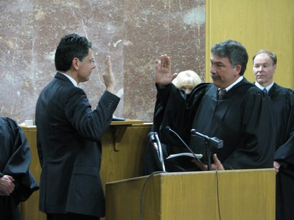 Sheriff Scott Parks takes oath of office from Judge Greg Grau