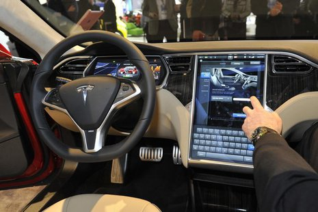 View of the interior of the Tesla Model S at the North American International Auto Show in Detroit, Michigan January 15, 2013. REUTERS/James