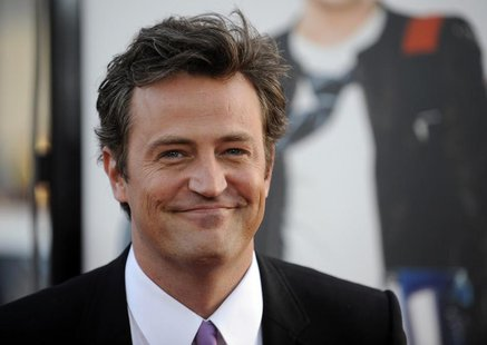 "Cast member Matthew Perry attends the premiere of the film ""17 Again"" in Los Angeles April 14, 2009. REUTERS/Phil McCarten"