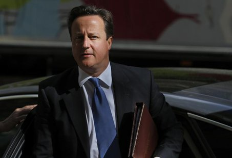 Britain's Prime Minister David Cameron arrives at the Global Investment Conference in London May 9, 2013. REUTERS/Andrew Winning