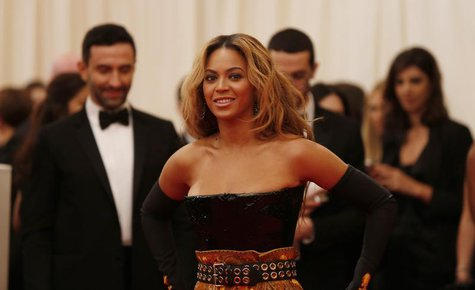 "Singer Beyonce arrives at the Metropolitan Museum of Art Costume Institute Benefit celebrating the opening of ""PUNK: Chaos to Couture"" in Ne"