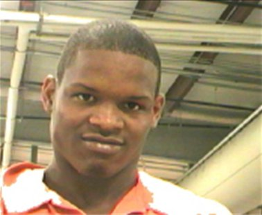 Akein Scott, 19, is shown in this Orleans Parish Sheriff's Office picture released early May 16, 2013. Orleans Parish Sheriff's Office/Hando