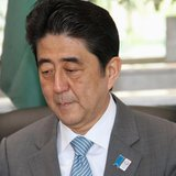 Japanese Prime Minister Shinzo Abe attends a conference at King Abdulaziz University in Jeddah, May 1, 2013. REUTERS/Susan Baaghil