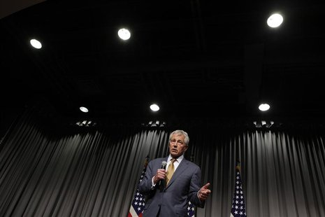 U.S. Secretary of Defense Chuck Hagel speaks at a town hall meeting at the MARK Center in Alexandria, Virginia May 14, 2013. REUTERS/Yuri Gr