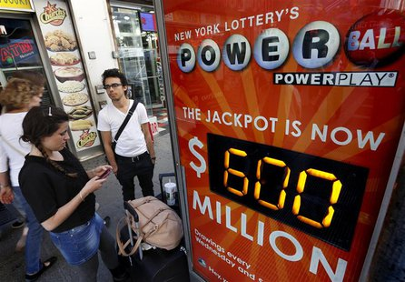 An electronic street sign displays the current value of the Powerball lottery in New York, May 17, 2013. REUTERS/Brendan McDermid