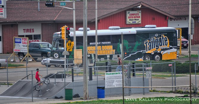 The Packers Tailgate Tour bus just arriving at Witter Field!