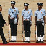 Chinese Premier Li Keqiang inspects a guard of honour during his ceremonial reception at the forecourt of India's presidential palace Rashtr