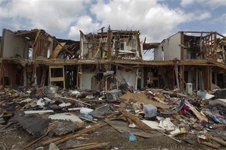 A housing complex is seen after it was destroyed by a deadly fertilizer plant explosion in the town of West, near Waco, Texas, in this April 21, 2013 file photo.  REUTERS/Michael Ainsworth/Pool