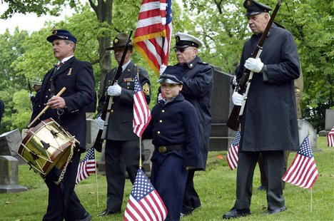 Jim Smith (L), 70, of Hempfield, leads members of the Grand Army of the Republic Post 88, Pittsburgh, and the Armbrust Veterans and Civil Wa