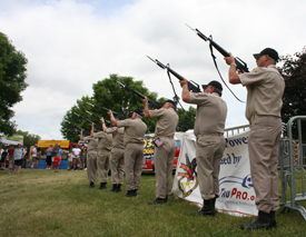 Veterans Salute Ceremony on Memorial Day in De Pere. (courtesy of celebratedepere.com)