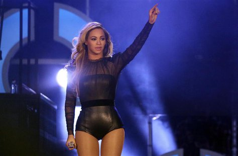"Singer Beyonce performs at ""The Sound of Change"" concert at Twickenham Stadium in London June 1, 2013. REUTERS/Neil Hall"
