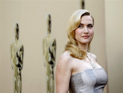 British actress Kate Winslet poses at the 82nd Academy Awards in Hollywood March 7, 2010. REUTERS/Mario Anzuoni