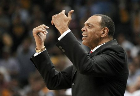 Memphis Grizzlies head coach Lionel Hollins directs his team against the San Antonio Spurs during the fourth quarter in Game 3 of their NBA