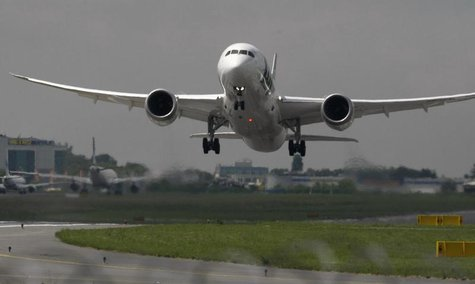Boeing 787 Dreamliner belonging to Polish airline LOT takes off from the Chopin International Airport in Warsaw June 1, 2013. REUTERS/Kacper